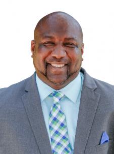 Image of Shawn Harris, Associate Dean of Athletics